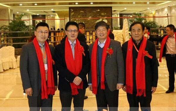靳双权律师在会场与刘洪玉、顾云昌、杜猛合照