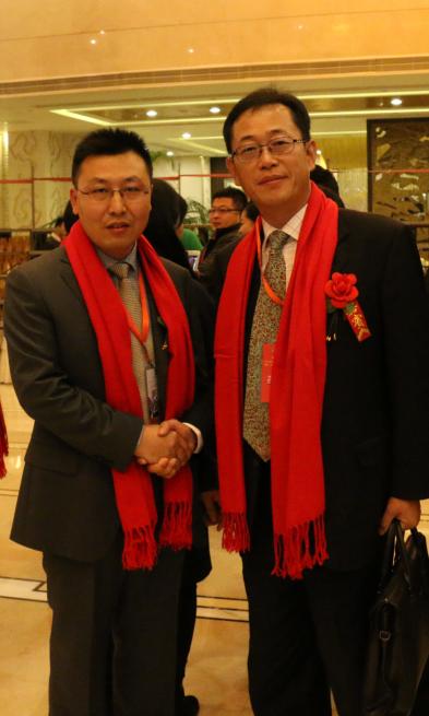 靳双权律师与韩国寅晃开发会社社长李正炯先生合影